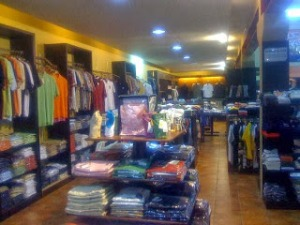 bandung-factory-outlet-shopping-ladies-kids-men